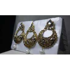 Trendy Bridal & Wedding Tika & Earrings Set For Girls & Women
