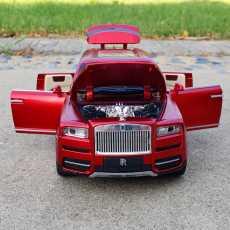 1:24 scale Rolls Royce Cullinan Diecast toy car