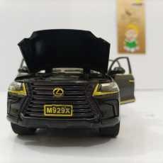 1:32 Lexus LX570 Diecast Model