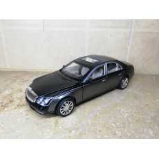 Mercedes Benz Maybach 62s 2003 1:24 XLG M929H DieCast Metal Model Cars...