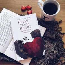 Revive Your Heart : Putting Life in Perspective (A Novel By Nouman Ali Khan)
