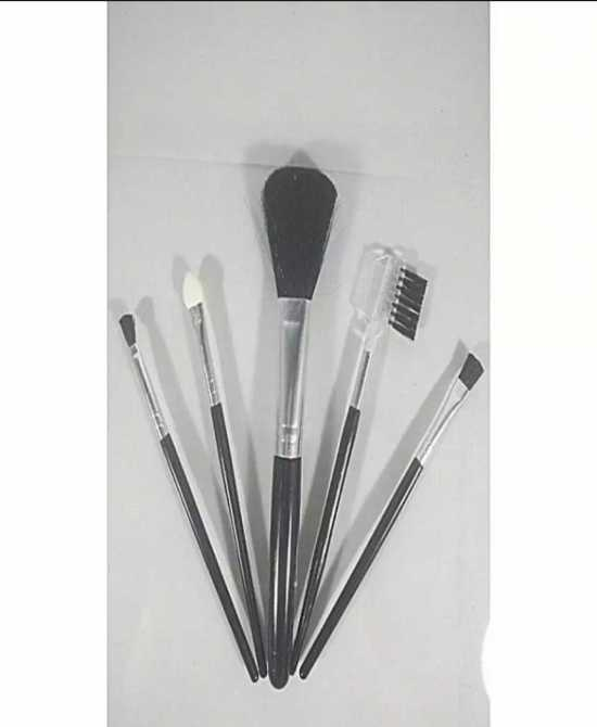 Pack Of 5 Make Up Brushes