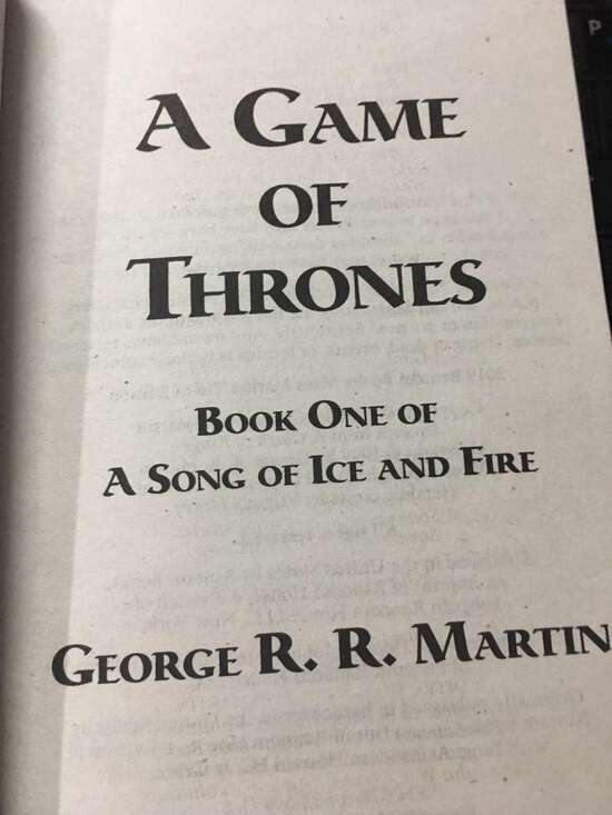 A Game Of Thrones (A Song Of Ice And Fire) Complete Book 1/5 Game Of Thrones...